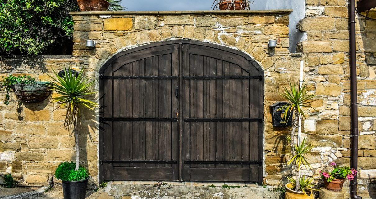 Kupujemy bramę do garażu