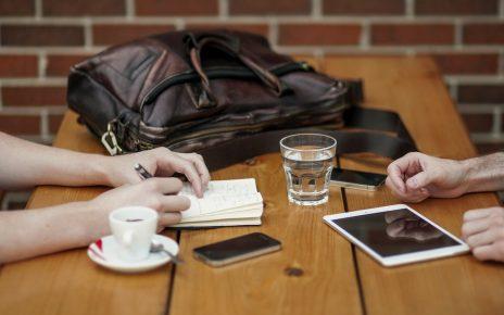Naprawa iPhone i MacBook w serwisie