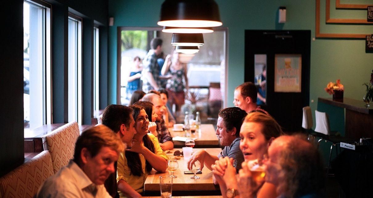 Wygodna rezerwacja stolika w restauracji